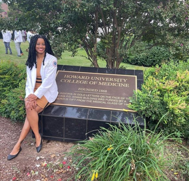 """@doctor.bink • Howard University College of Medicine • MS1 . . """"On October 5, 2016 I had my 1st white coat ceremony (pharmacy). I would have never thought that almost exactly 5 years later I'd be celebrating white coat #2. This definitely was not the original plan, but I'm so grateful to be here. Everyone on this medical journey knows that it is not for the weak, but it's been a pleasure grinding and playing hard with my wonderful classmates thus far. #125in125out 👩🏾⚕️🩺💊  Bianca S. Campbell, PharmD, MD (loading)"""" . . Be sure to use the link in our bio to make your #MelaninMerch purchase and join the  Melanin Doc family!  www.melanindocs.com/shop  • • •  #blackexcellence #minorities #theshaderoom #daquan #motivation #doctor #medicine #love #instagood #tbt #happy #followme #fun #life #melanin #black #beautiful"""
